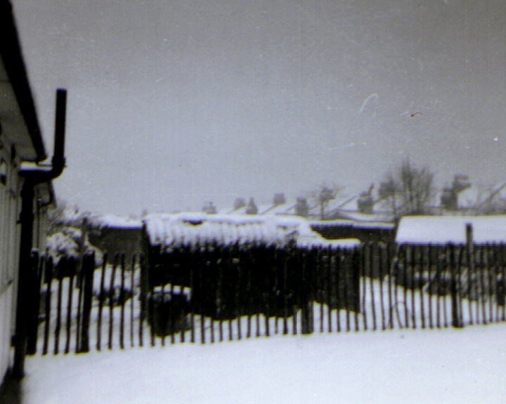 198 PREFAB XMAS 1960s 6 720 576 BACK GARDEN SNOW 1963 copy