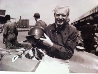Mike Hawthorn 1957 1st Helmet in f1 with temple protection